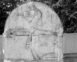 Budapest - Skeleton Tombstone
